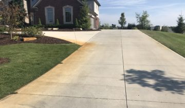 BENEFITS OF SEALING A CONCRETE DRIVEWAY IN OAKLAND COUNTY MICHIGAN